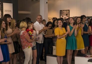 Випускники Закарпатської академії мистецтв отримали дипломи та спеціальні премії